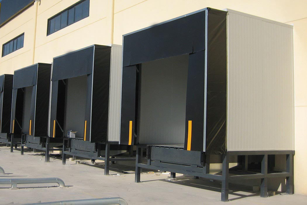 Dock Shelters Suppliers Retractable And Inflatable Dock