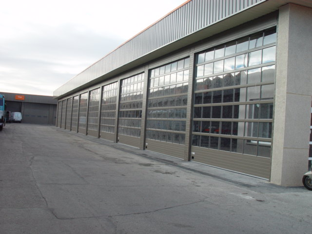 Industrial Overhead Sectional Doors3